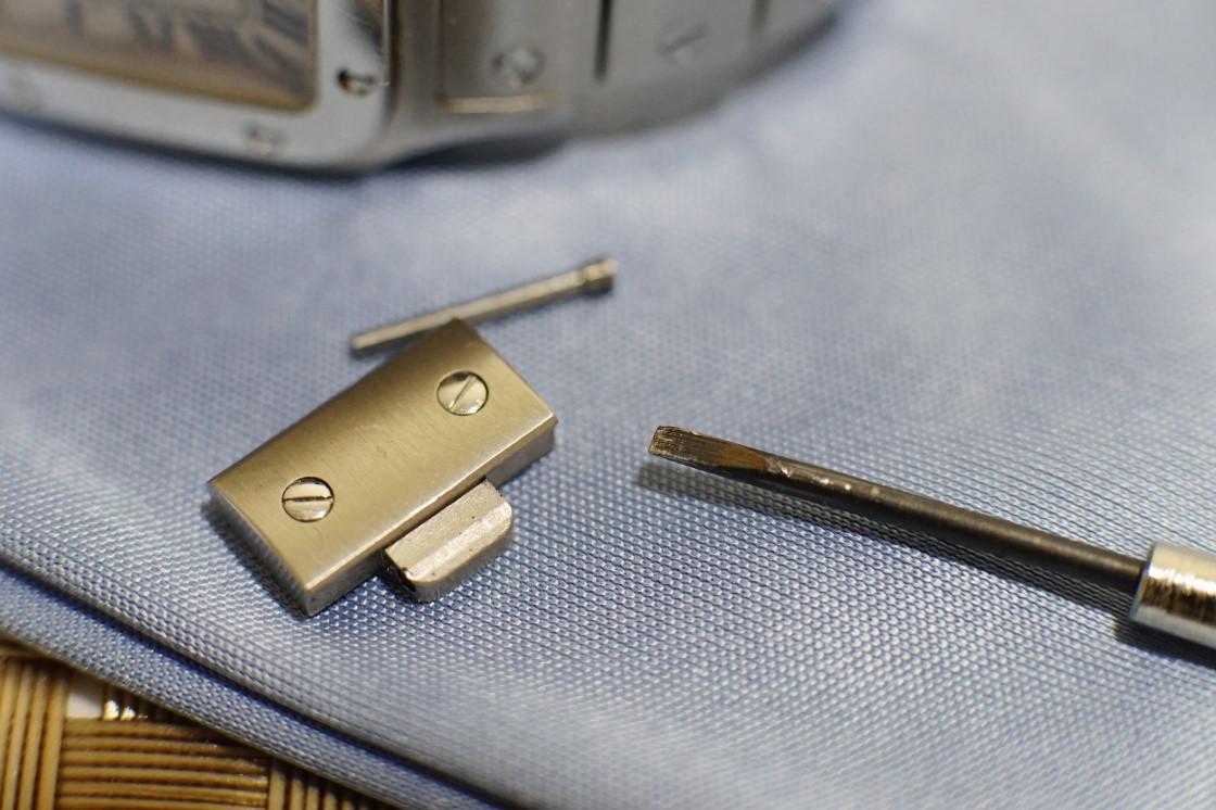ネジ方式の時計ベルト調整方法【写真解説】