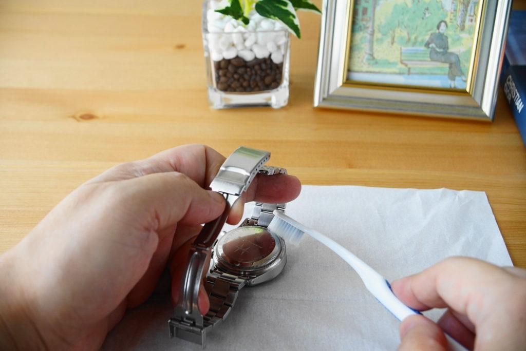 腕時計の掃除方法解説13